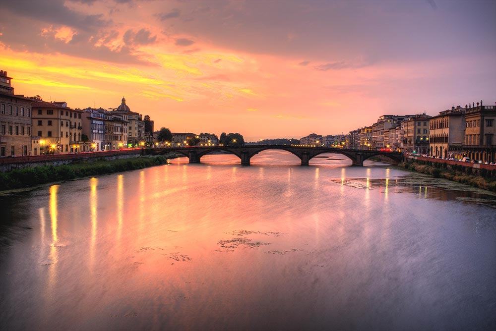 L'Arno e il ponte Santa Trinita