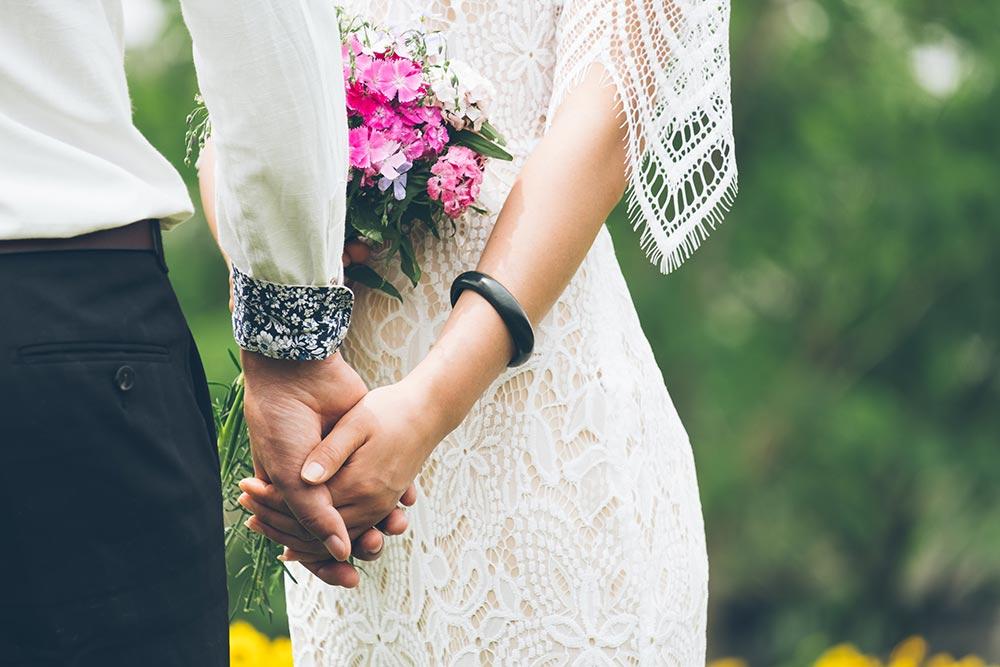 Symbolic wedding in Tuscany